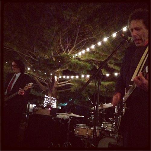 Yo La Tengo: Wedding Band Supreme (twitter.com/questlove)