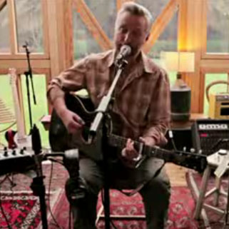 Billy Bragg Announces New Album For 2013 Tooth Amp Nail