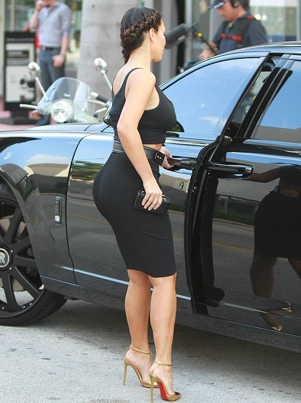 Kim Kardashian Ass In Tight Jeans Kim-Kardashian-