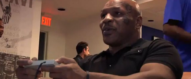 """Mike Tyson Plays """"Punch-Out!!"""" for the first time"""