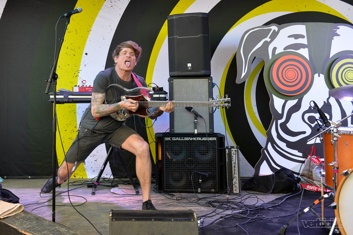 Thee Oh Sees peforming at the Scoot Inn on 3.14.17