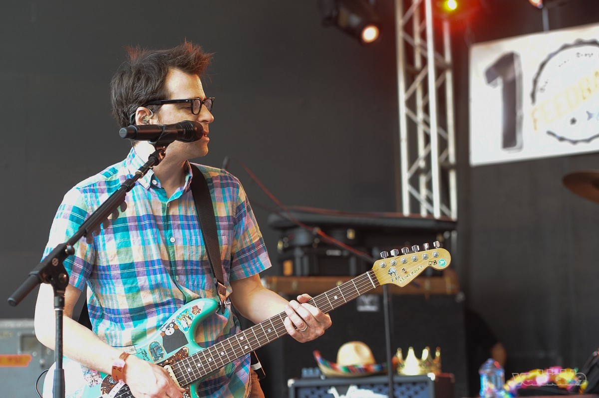 Weezer performing at Rachael Ray's Feedback Party on 3.18.17